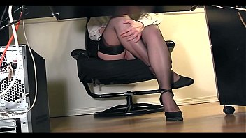 Office secretaries stimulate clit